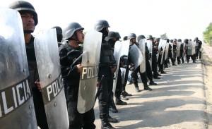 En 2009 la policía detuvo a 18 ciudadanos que se manifestaban en contra de la minera Cuzcatlán. Foto: Cuartoscuro